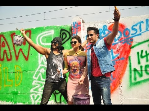 Ranveer Singh, Parineeti Chopra and Ali Zafar Paint On Graffiti Wall