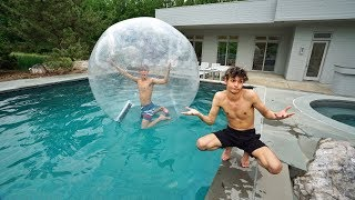 Video I TRAPPED MY TWIN BROTHER INSIDE A GIANT BUBBLE BALL! MP3, 3GP, MP4, WEBM, AVI, FLV Juni 2018
