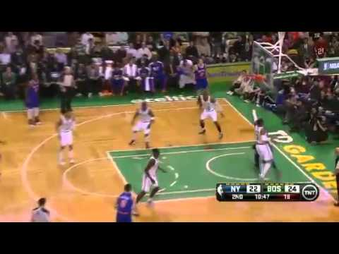 Amar'e Stoudemire Dunks On Celtics