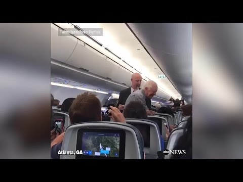VIDEO: Jimmy Carter greets fellow fliers