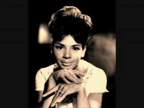 Tekst piosenki Shirley Bassey - Just One of Those Things po polsku