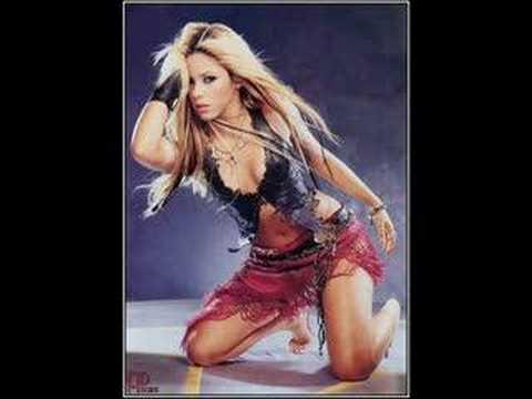 Shakira: Moviendo el trasero, haciendo dinero