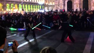 Video star wars guerre stellari combattimento spade laser milano MP3, 3GP, MP4, WEBM, AVI, FLV Juli 2018