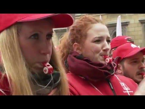 Tausende demonstrieren gegen Lohndumping