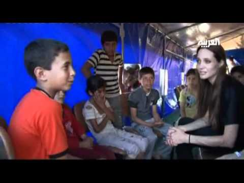 Angelina Jolie Visits Refugees in Turkey
