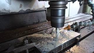 Máy phay CNC9