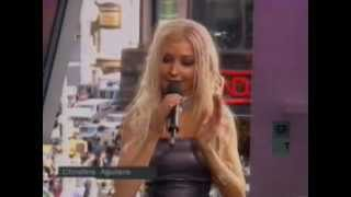 Christina Aguilera - Interview TRL (04-06-2000)