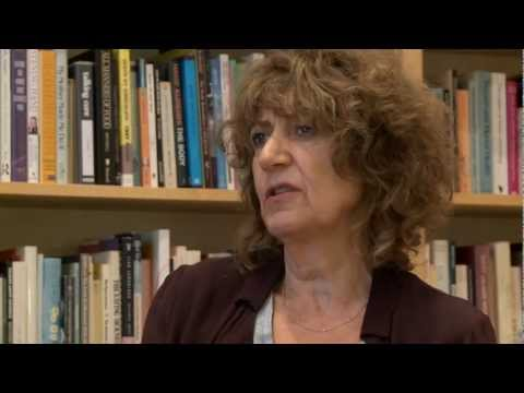 Orbach - Polly McLean interviews Dr. Susie Orbach on Relational Psychoanalysis. For further info on this video and other Psychotherapy videos please visit www.psychot...
