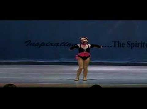 Kayla Paige Fuhst performing Rockette 7 yr old Song and Dance (видео)