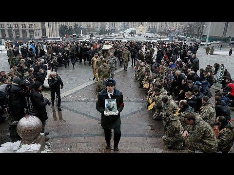 Αν. Ουκρανία: Aλληλοκατηγορίες υπό την απειλή ανθρωπιστικής κρίσης