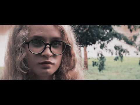 Mour - Estrangeiro (Clipe Oficial) (видео)