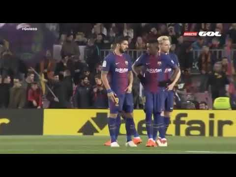 Luis Suarez Gives Instructions To Coutinho & Dembele