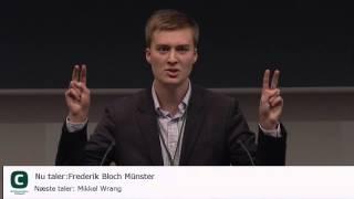 Frederik Bloch Münster fra Konservativ Ungdom, holder tale ved Det Konservative Folkepartis landsråd.