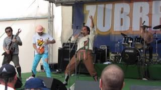 Video DEMENTED RETARDED Perverse Spiele Fotzendose (Zubrfest 29.6.2013