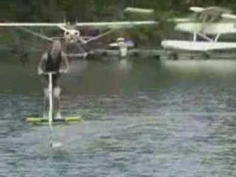 video que muestra una bicicleta para el agua
