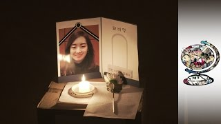 The South Koreans Who Attend Their Own Funerals