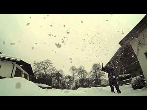 ApfelTechnik01 - GoPro Hero 3 Black Edition Slow Motion Snow Mein Blog: http://picturesandvideos-markus.blogspot.com Music by Kevin Macleod (http://www.incompetech.com)