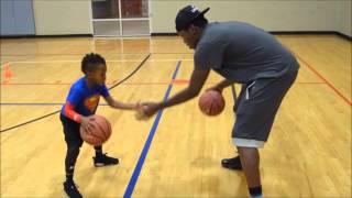 Video À 5 ans, il est un as du basket! MP3, 3GP, MP4, WEBM, AVI, FLV Juli 2017
