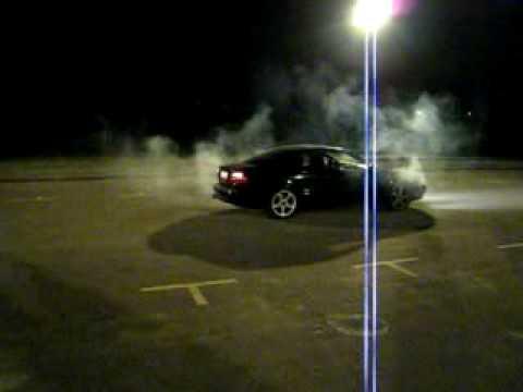 Driver destroys clutch in burnout attempt