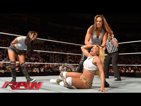 The Funkadactyls vs. AJ Lee & Tamina Snuka: Raw, Jan. 13, 2014