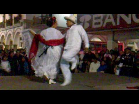 Fiesta Jarocha del Paseo del Malecon  La Bamba.