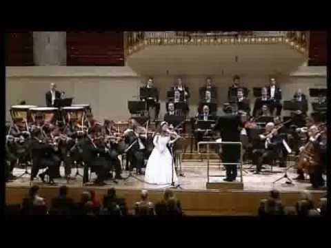 D Dur - Tchaikovsky violin concert performed by Vienna Classic Orchestra and Anna Savkina, 14 years old, (Russia) Part 1.