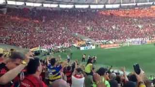 Chocolate do Flamengo, visto do setor Maracanã Mais. Não filmei os gols porque sou supersticioso e percebi que quando estava com o smartphone na mão, ...