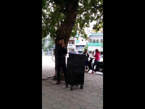 Chàng trai Lê Văn Hiệp hát rong - Chắc Ai Đó sẽ về cực hay