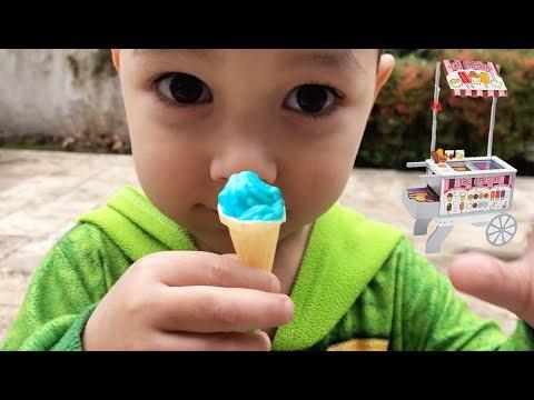 Pretend play with food cart | Kid selling tiny ice cream | Johny Johny yes papa Compilation