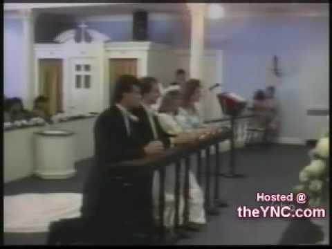 Cagadas en al iglesia.