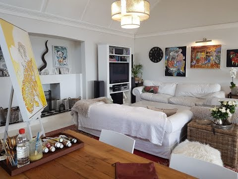 At home with Arno Carstens