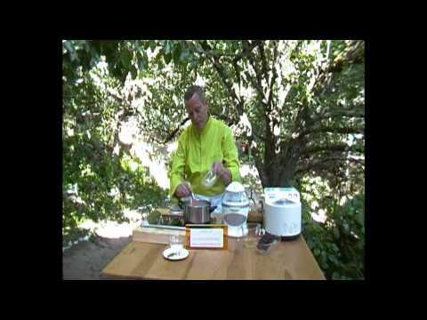 curso de chocolate - www.espiritubosque.es En este video os mostramos cómo hacer un delicioso helado de chocolate y las posibilidades que tiene la elaboración casera. La descripc...