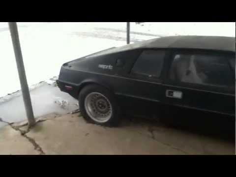 Lotus espirit (1982 model?) – abandoned and beaten cars