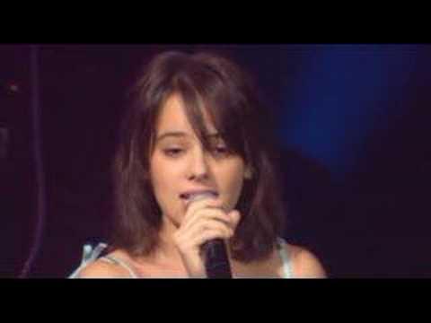 Alizée - L'E-mail a Des Ailes (Live - En Concert 2004) (видео)