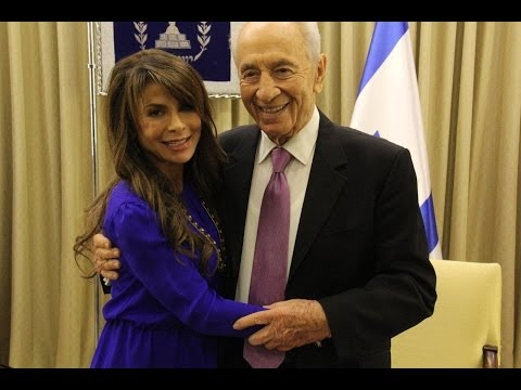 abdul - The President of the State of Israel, Shimon Peres, met this morning with international singing and dancing star, Paula Abdul who is visiting Israel as a gue...