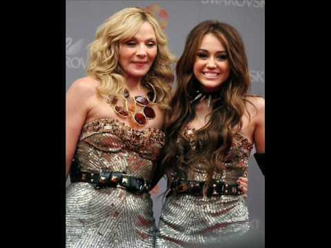 "Inicia el fin de la Serie Hannah Montana, SERA PROTAGONISTA DE ""Sex and the city 2″ PARECE QUE LE GUSTA EL SEXO."