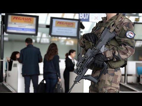 Δρακόντεια μέτρα ασφαλείας σε Βρυξέλλες και Παρίσι για τρομοκρατικά χτυπήματα