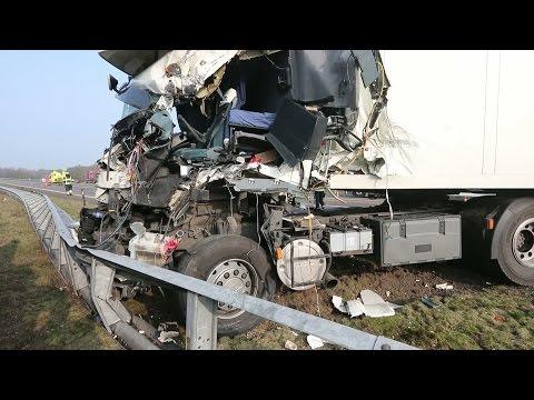 Ongevallen leggen A67 plat
