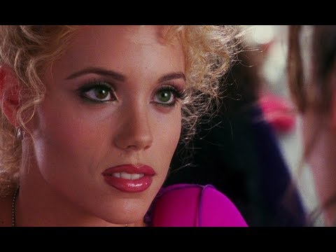 Showgirls (1995) movie review
