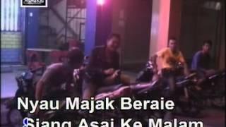 Download Lagu MABUK PENGERINDU BY JAMES RUAI Mp3