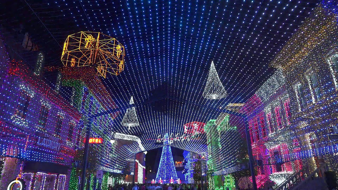 Osborne Family Spectacle of Dancing Lights - Christmas / Sarajevo 12/24