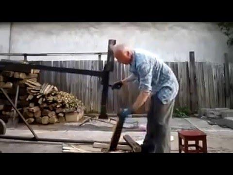 Genialer BrennholzSpalter