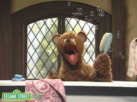 sesame street baby bear s bath song english corner. Black Bedroom Furniture Sets. Home Design Ideas