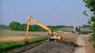 Heede Germany  city photo : Deichbau in Heede: Hyundai 290LC-7A Longreach / Long reach excavator Hyundai 290LC-7A