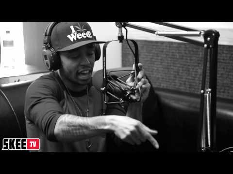 cory gunz - Cory Gunz of YMCMB spits a live version of