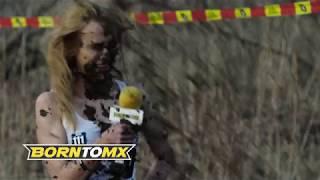 Blond laska rozwaliła system podczas wywiadu! Ziomek na motorze totalnie ją zaskoczył!