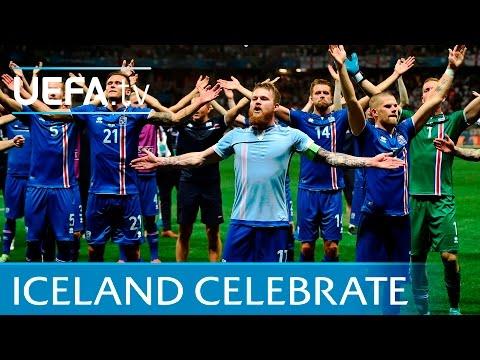 Esultanza giocatori e tifosi Islandesi dopo la storica vittoria sull'Inghilterra