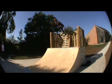 new walcote skatepark edit! (boards and blades)