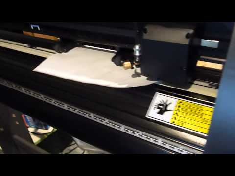 Vinyl Cutter Demonstration With Pen And Paper