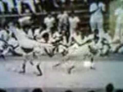 Batizado de Capoeira em Ribeirão Preto-SP 1989 Mestre Tião Preto Grupo Cativeiro